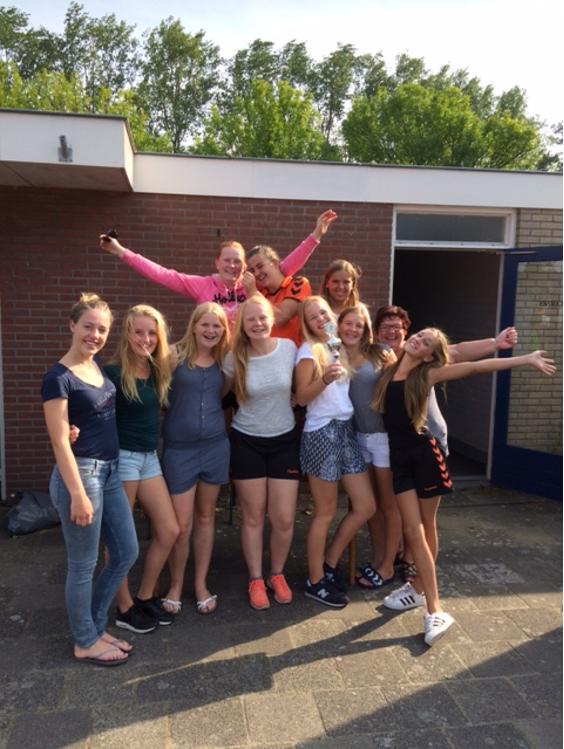 1e prijs dames B-jeugd